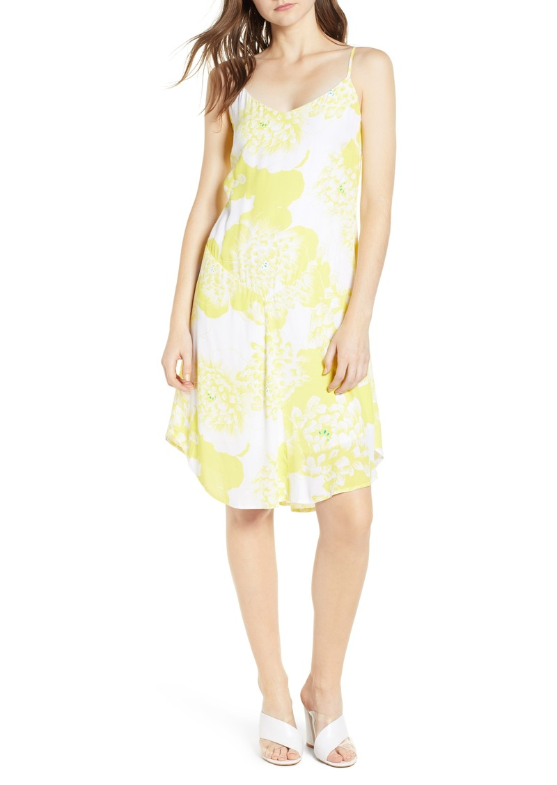 5a98646649c cupcakes and cashmere cupcakes and cashmere Dayen Shift Dress