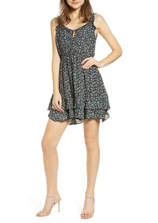 cupcakes and cashmere Deliliah Ditsy Floral Print Dress