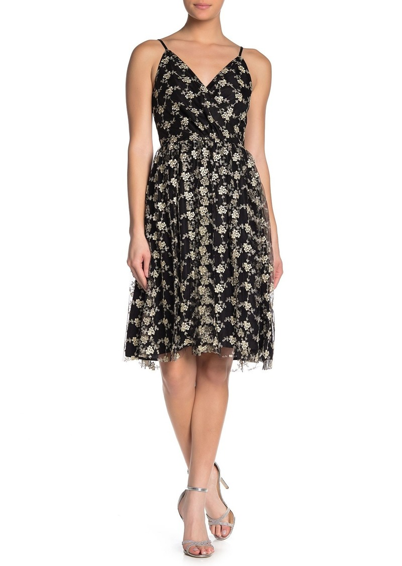 cupcakes and cashmere Kaelyn Embroidered Metallic Dress