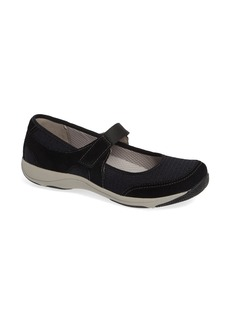Dansko Hennie Flat (Women)