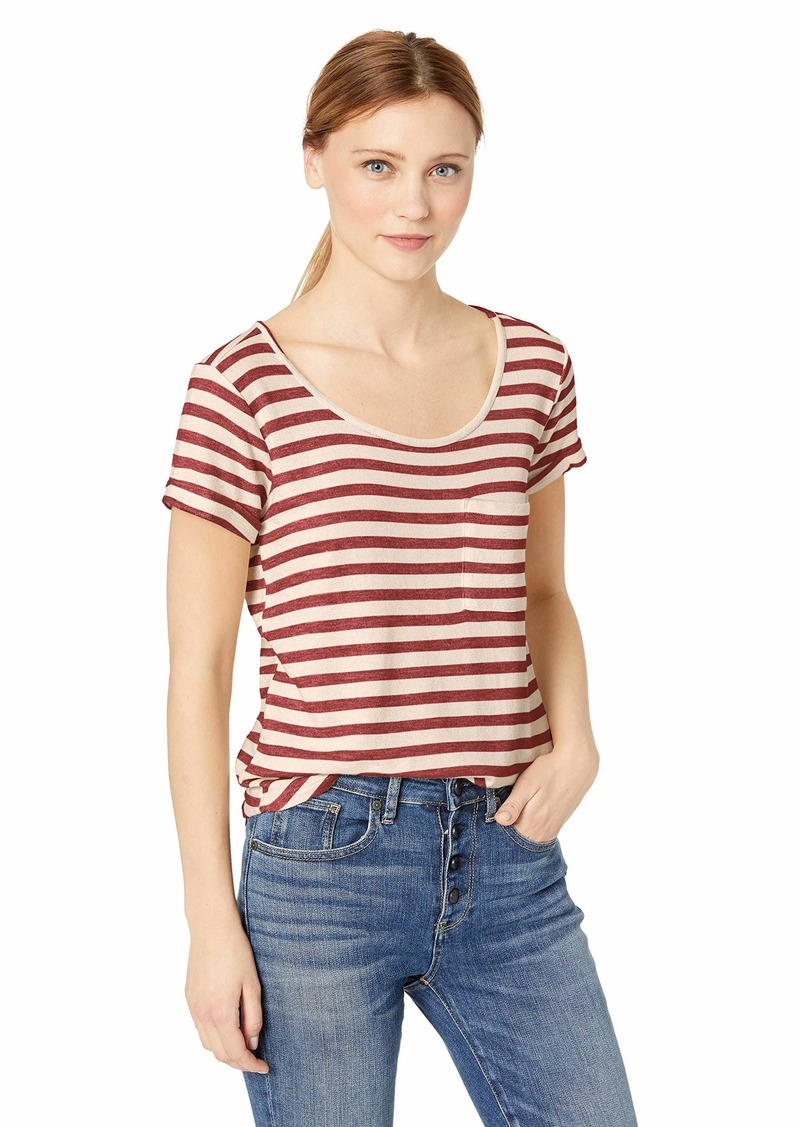 Democracy Women's Short Sleeve ROLL Cuff TEE with Cut Out Back red L