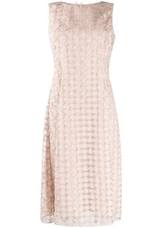 D.Exterior embroidered lace midi dress