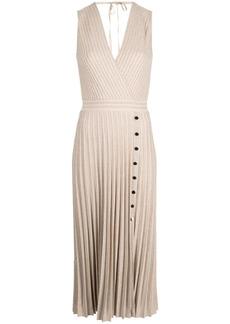 D.Exterior pleated glitter dress