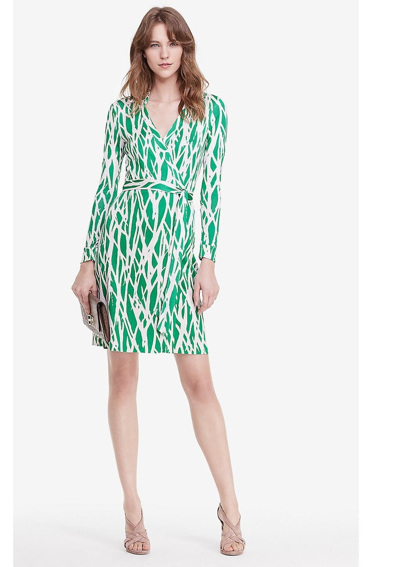 Diane von Furstenberg, Diane von Furstenberg 21st Century and Contemporary Casual Dresses Diane von Furstenberg Silk print wrap dress The iconic s style von Furstenberg wrap dress got a 21st century re-boot The silk jersey dress is designed a bold op-art print.