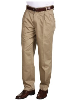 Dockers Never-Iron™ Essential Khaki D3 Classic Fit Pleated