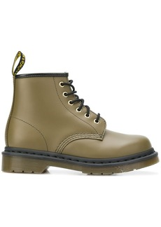Dr. Martens 101 Smooth boots