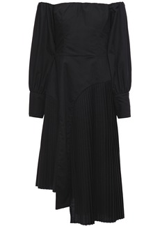 Each X Other Woman Asymmetric Off-the-shoulder Pleated Poplin Dress Black