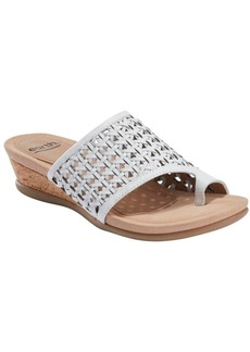 Earth Women's Pisa Wellfleet Toe Ring Sandal Women's Shoes