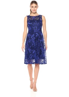 ELLEN TRACY Women's Floral Scroll Embroidery Cocktail Gown