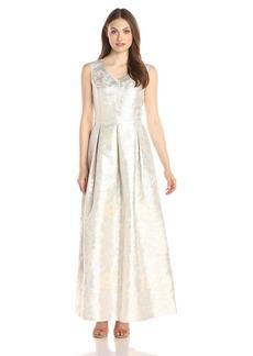 Ellen Tracy Women's Sleeveless Gown and V Neckline