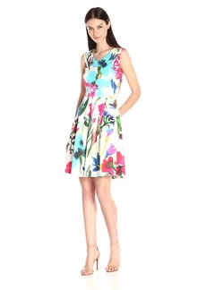 Ellen Tracy Women's Sleeveless V Neck Fit and Flare Printed Dress