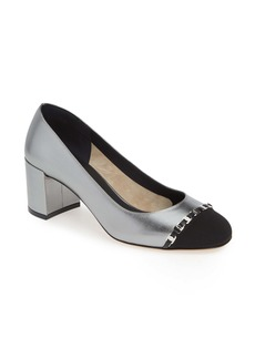 Salvatore Ferragamo Avella Chainlink Trim Pump (Women)