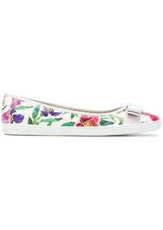 Salvatore Ferragamo printed Vara ballerina shoes - White