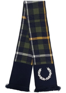 Fred Perry tartan-print knitted scarf