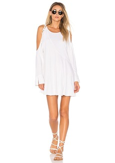 Free People Clear Skies Solid Tunic in White. - size M (also in S,XS)