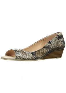 French Sole FS/NY Women's Welcome Wedge Pump