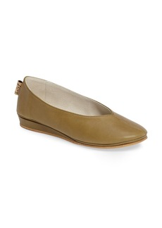 French Sole Split Toe Low Wedge Pump (Women)