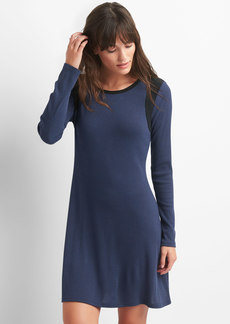 Colorblock ribbed swing dress