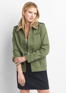 Detachable faux-fur collar utility jacket