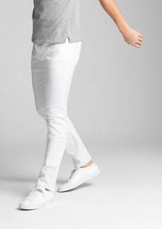 EverWhite Jeans in Slim Fit with GapFlex