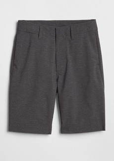 Gap Hybrid Shorts in Stretch