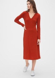 Gap Fit and Flare Knit V-Neck Midi Dress