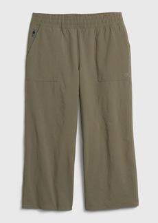 GapFit Runaround Crop Pants