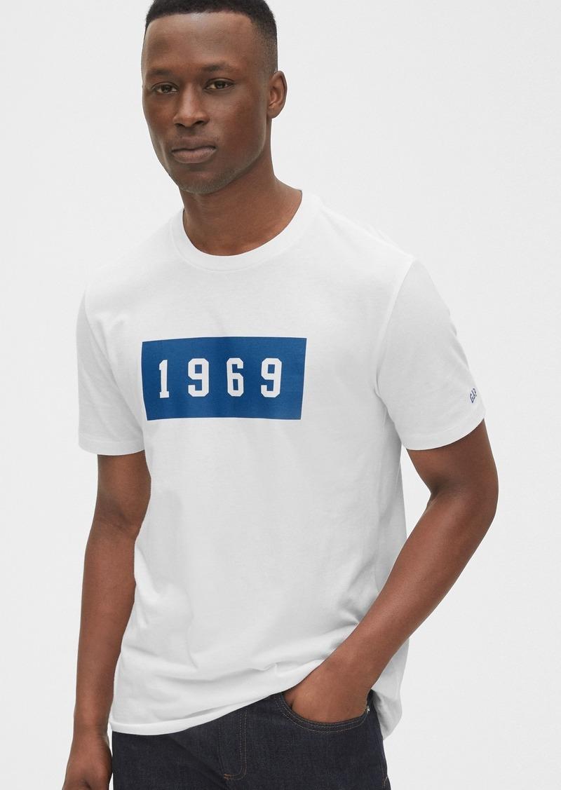 Gap 1969 Premium Graphic Crewneck T-shirt
