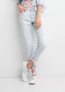 Gap Mid rise relaxed boyfriend jeans