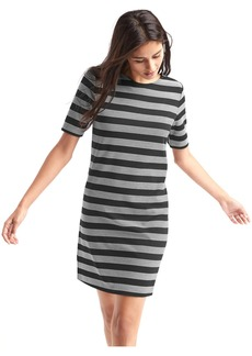 Scoop-back shift dress
