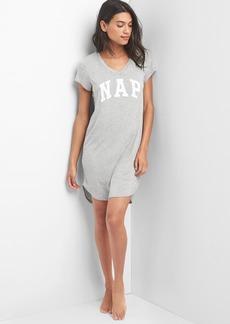 Gap Slogo V-neck graphic sleep dress