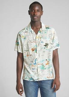 Gap Standard Fit Tropical Print Short Sleeve Shirt