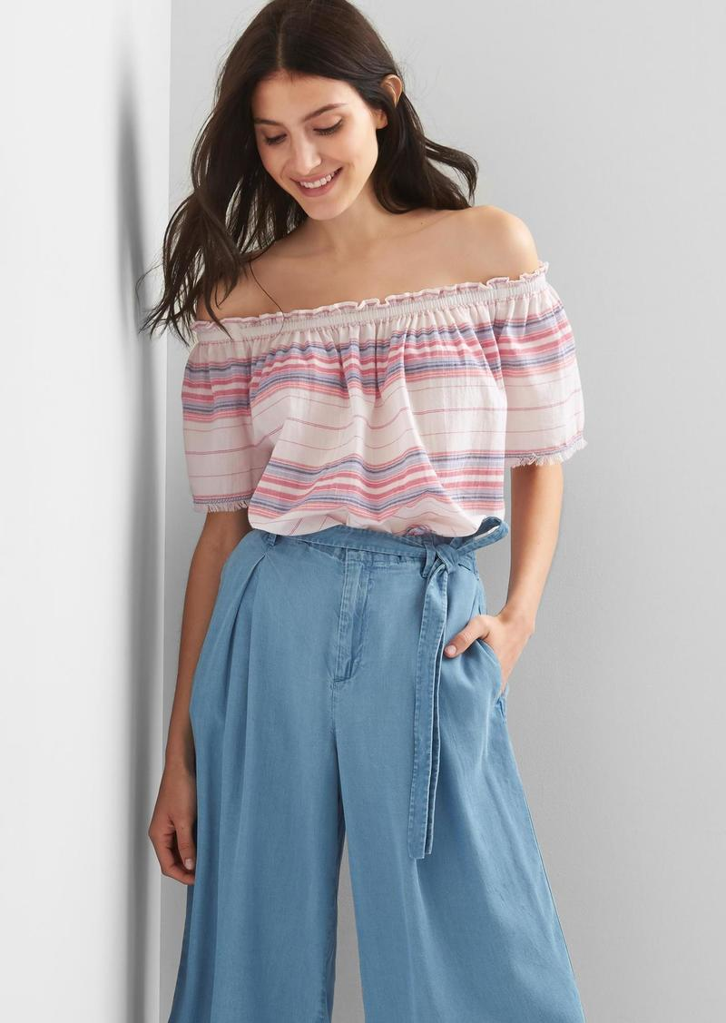 46cfc4435e93ba Gap Stripe off-shoulder top