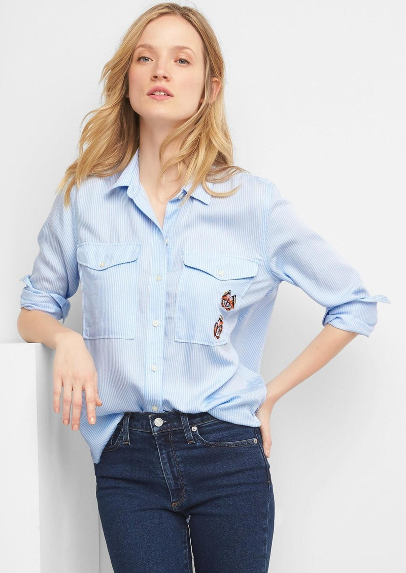 5b14bfe849 Gap TENCEL  153 railroad stripe boyfriend shirt