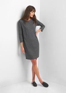Three-quarter sleeve t-shirt dress