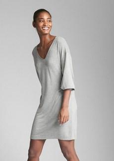 Gap Three-Quarter Sleeve V-Neck Dress