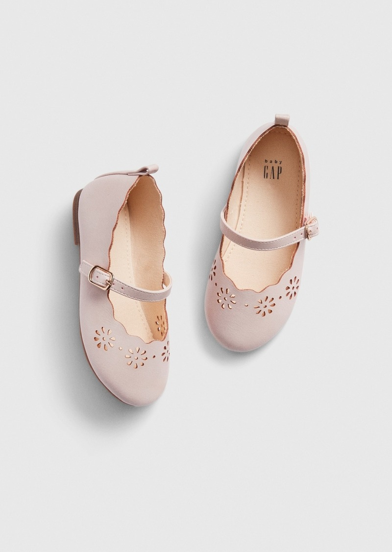 Gap Toddler Scalloped Eyelet Flats