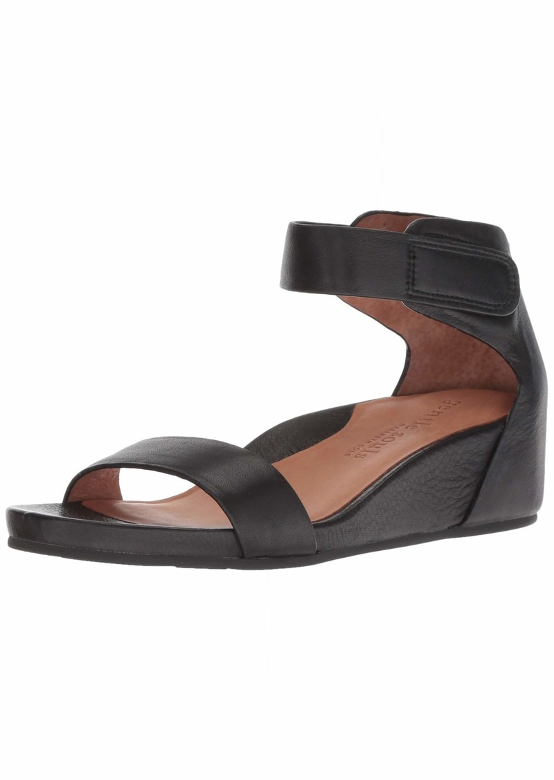 Gentle Souls by Kenneth Cole Women's Gianna Wedge Sandal with Ankle Strap Sandal black  M US