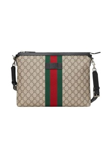 Gucci GG Supreme medium messenger bag