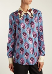 1070020a Gucci Gucci GG Wallpaper-print embellished collar silk blouse ...