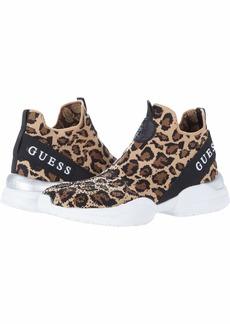 GUESS Women's Bellini2 Sneaker