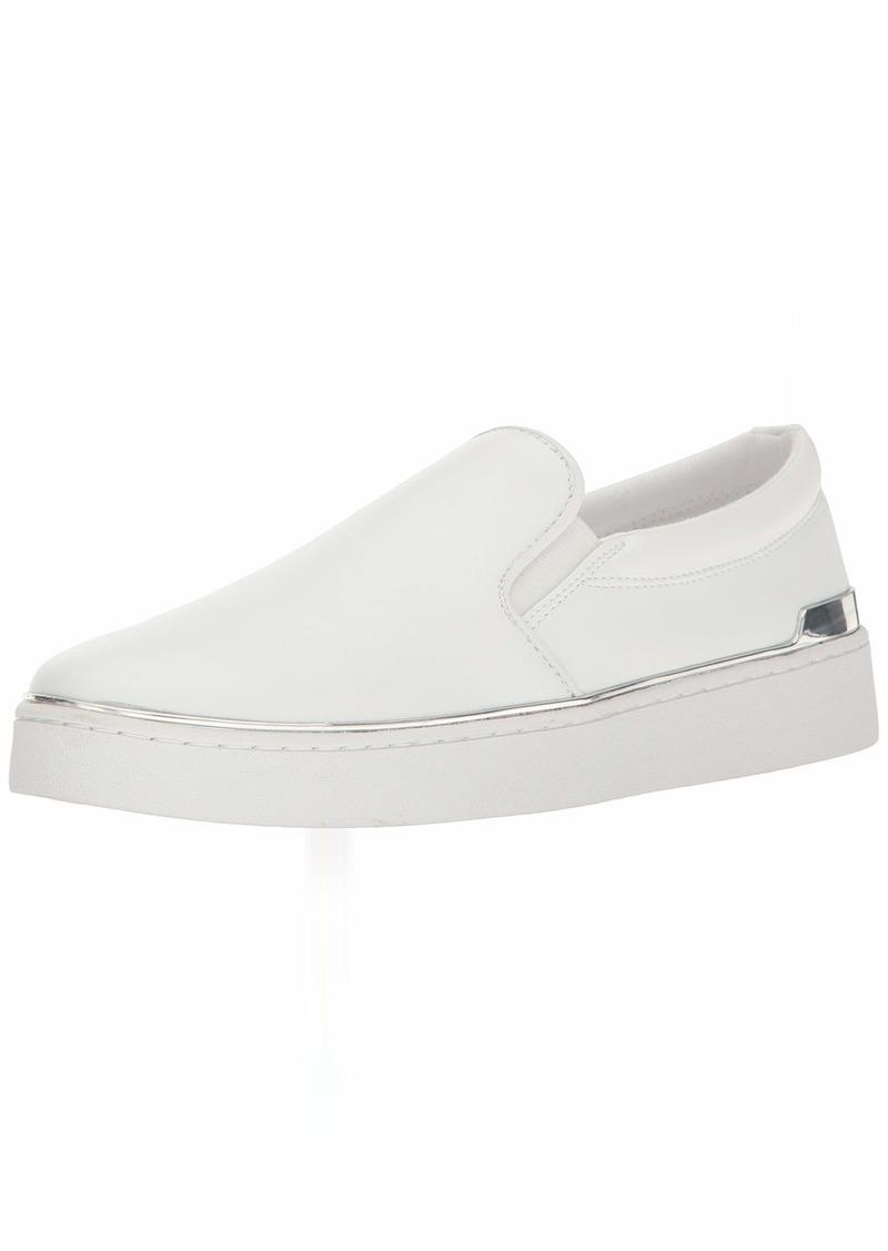 GUESS Women's Deanda Sneaker