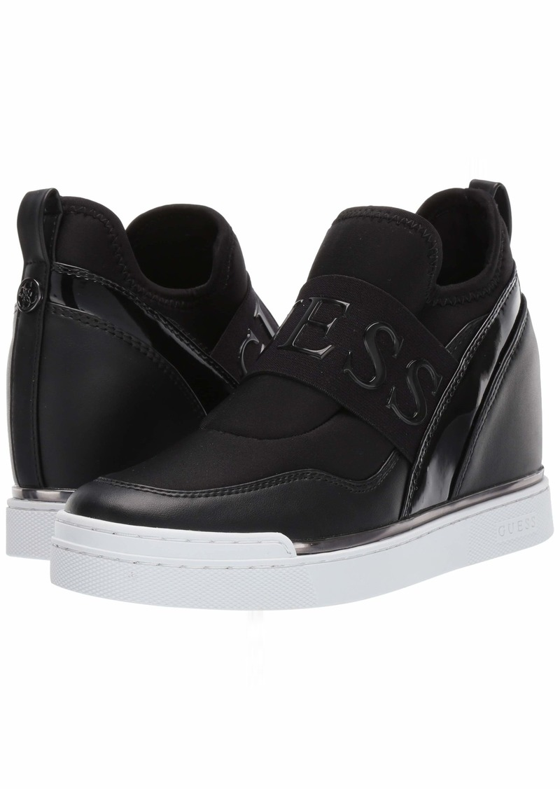 GUESS Women's FLORINZ Sneaker   M US