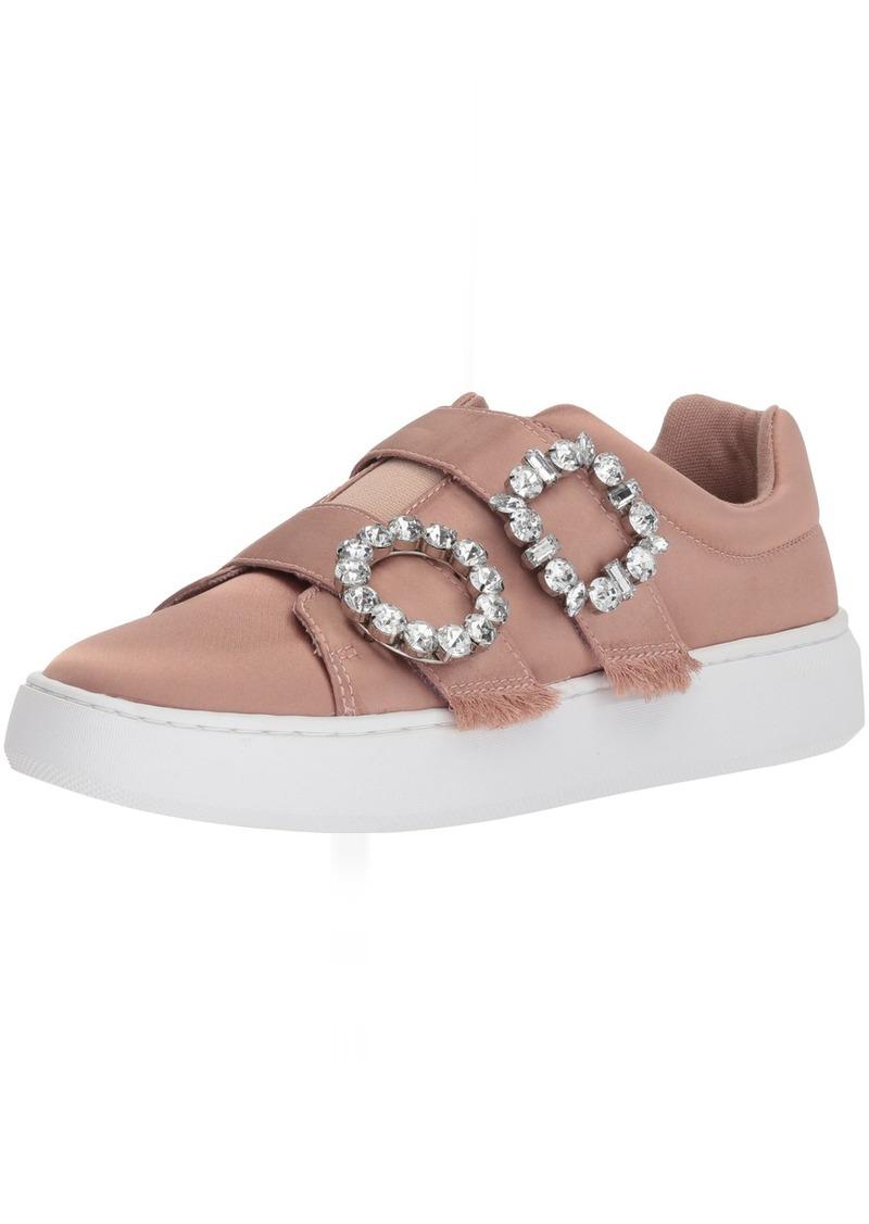 GUESS Women's Freeform Sneaker   Medium US