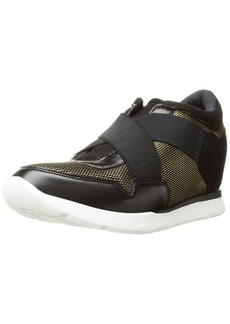 GUESS Women's Laylow Sneaker   Medium US
