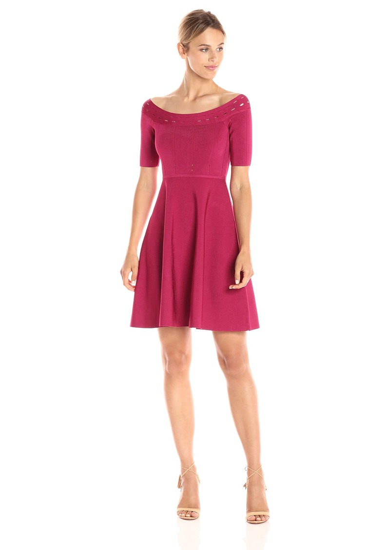 GUESS Women's Off Shoulder Half Sleeve Mirage Dress red Bud XS