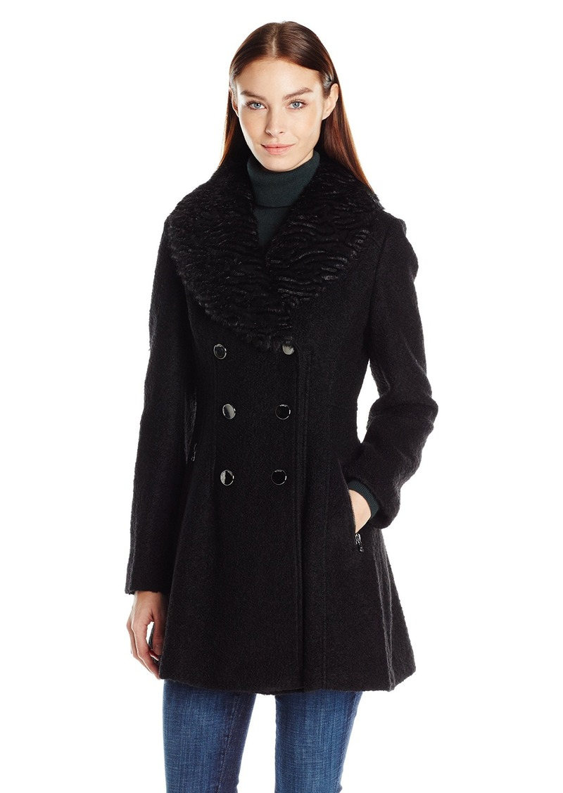 8b59571473 GUESS Women's Wool Boucle Fit and Flare Coat with Faux Fur Collar black M