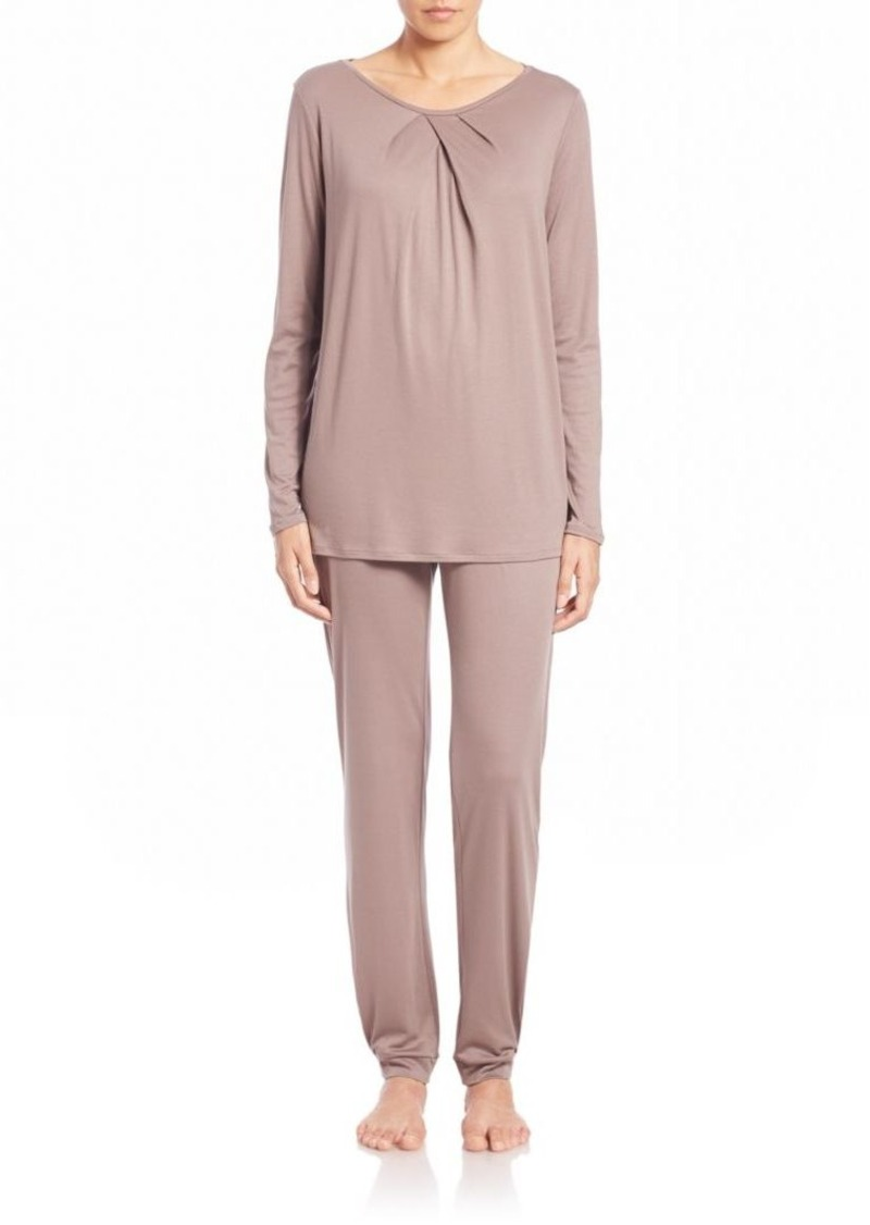 Hanro Nine Pleated Pajamas