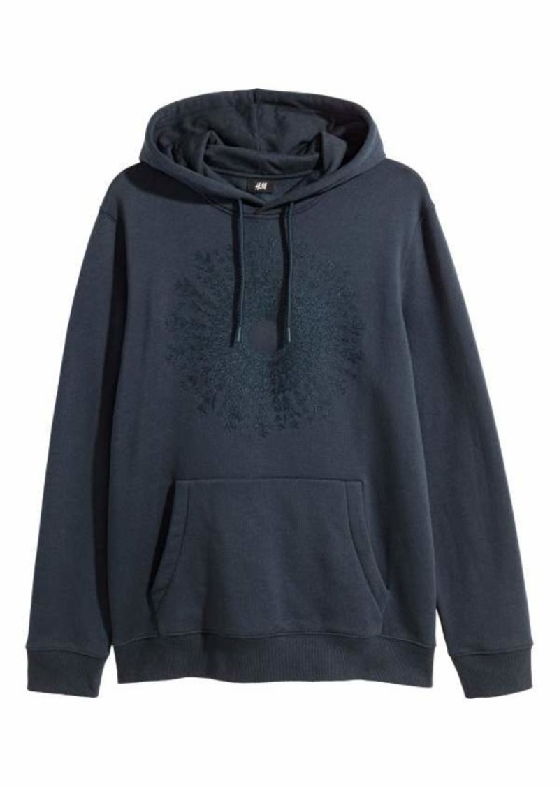 H&M H & M - Embroidered Hooded Sweatshirt - Dark blue - Men