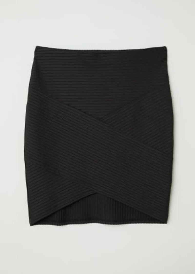 1540f0cda H&M H & M - Fitted Skirt - Black | Skirts